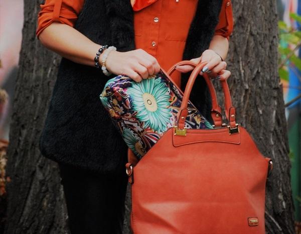 O tym, co kryje kobieca torebka i o co powinna być wzbogacona łazienka