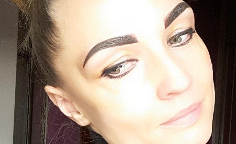 Makijaż permanentny brwi – ombre
