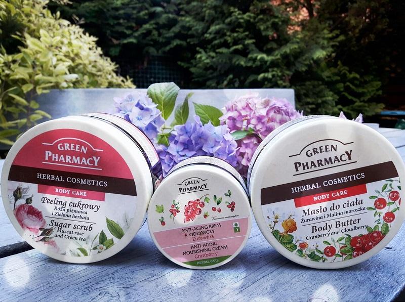 Pielęgnacja ciała z żurawiną, różą i zieloną herbatą