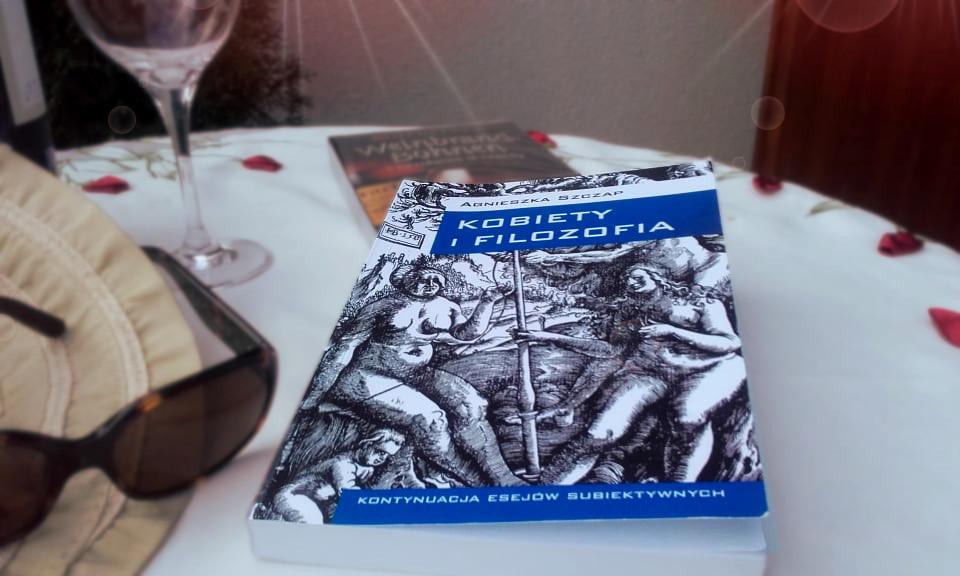 Dobra książka, to nieodłączny atrybut na wakacjach
